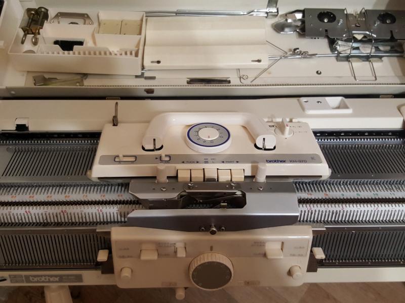 Вязальная машина Brother KH 970\850